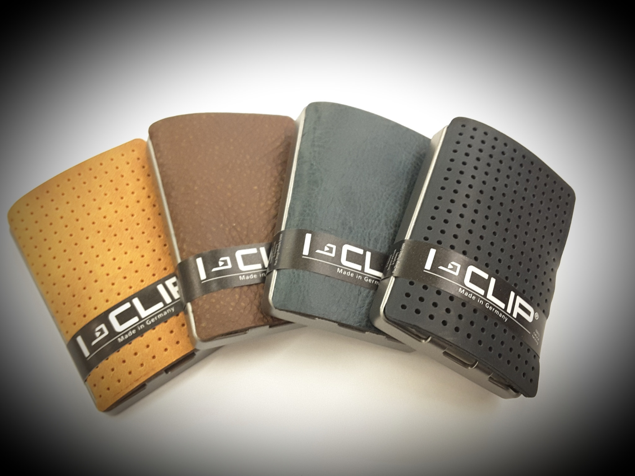 c10cb0998a FAI UN REGALO ALL, INSEGNANTE! I-clip è il porta carte di credito piccolo e  sottili, utilizzabile anche come porta tessere e porta banconote